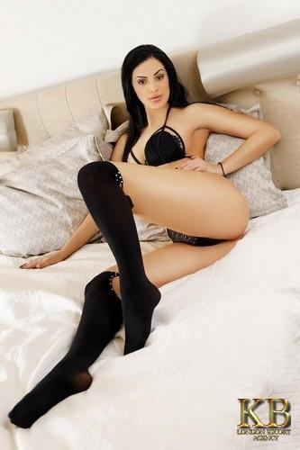 Eva Tall Busty Brunette London Escort