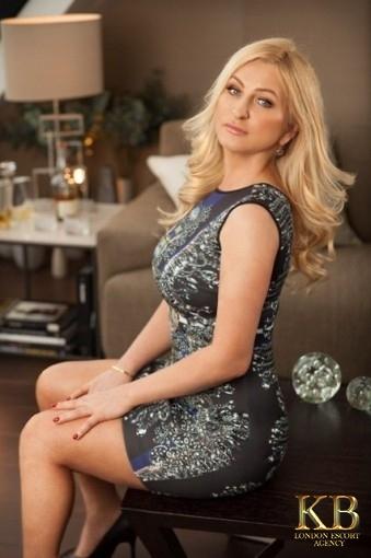 Lauren blonde escort in London