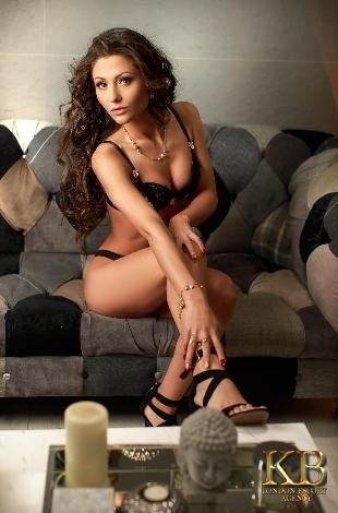 Irina tall escort